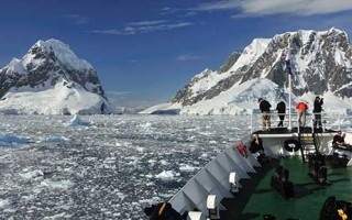 Crossing the Antarctic Circle Expedition